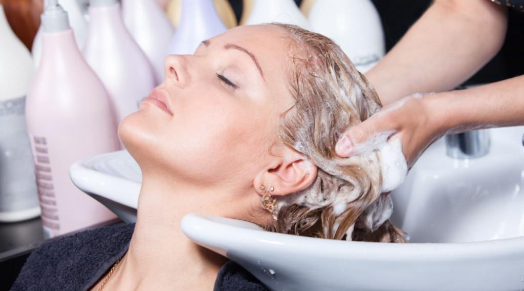 можно ли красить волосы беременным