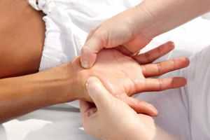 Онемение рук по ночам лечение народными средствами thumbnail