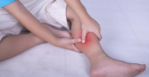 Судороги ног: причина появления, симптомы, лечение